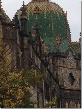 בודפשט- בניין המוזיאון לאמנויות שימושיות